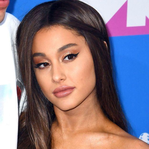 Ariana Grande rend hommage à son ex avec un tatouage
