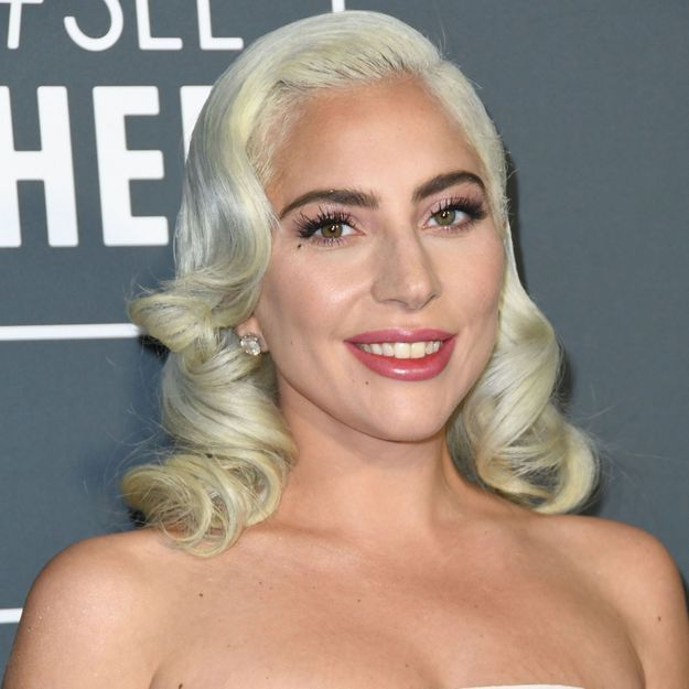 Critics Choice Awards : comment Lady Gaga a surpris tout le monde sur le tapis rouge ?