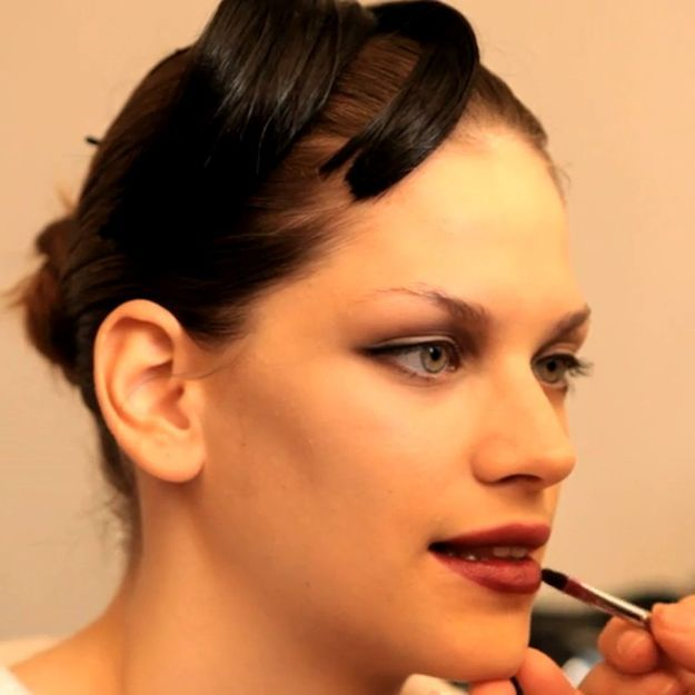 Tuto make-up : les yeux noirs et la bouche encre de Giorgio Armani