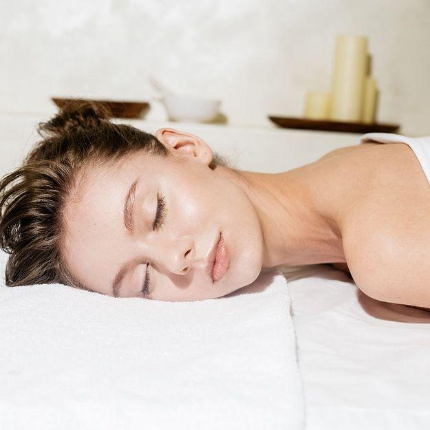 Qu'est-ce que le massage Lomi-Lomi (ou massage hawaïen) ?