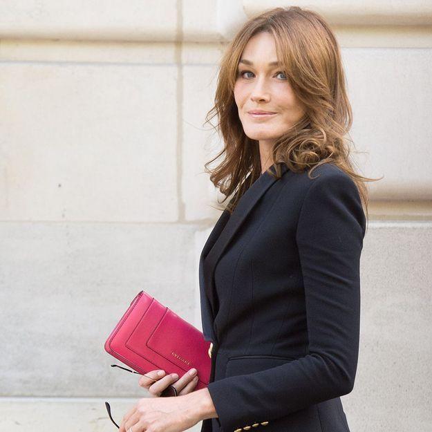 Carla Bruni : le produit qui a remplacé son fond de teint