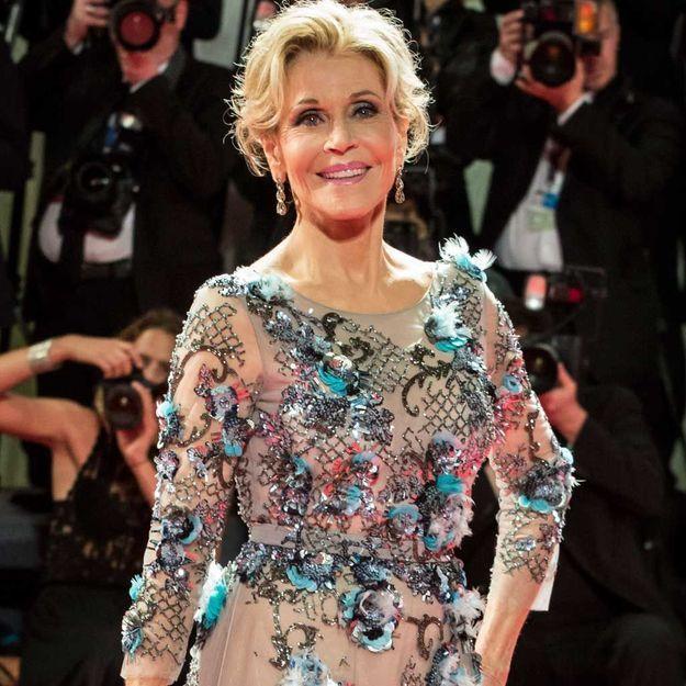 Jane Fonda méconnaissable (et sublime) sur le tapis rouge des Emmys