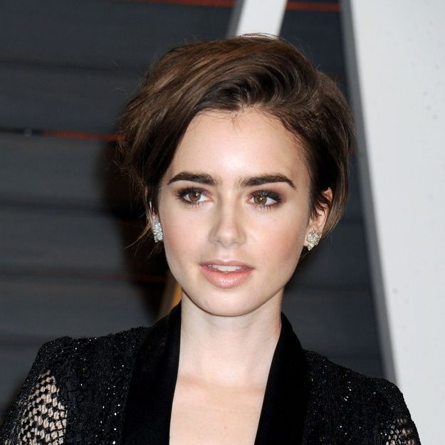 Lily Collins adopte le short bob, et on adore !