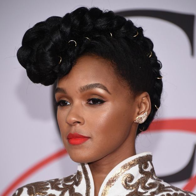 On aime le look beauté rockabilly de Janelle Monáe aux CFDA 2015