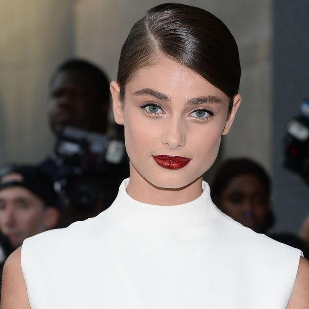 Taylor Hill, radieuse à l'amfAR de New York