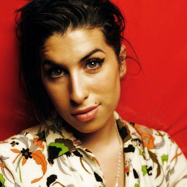 Un visage, une époque : Amy Winehouse, la pin-up trash