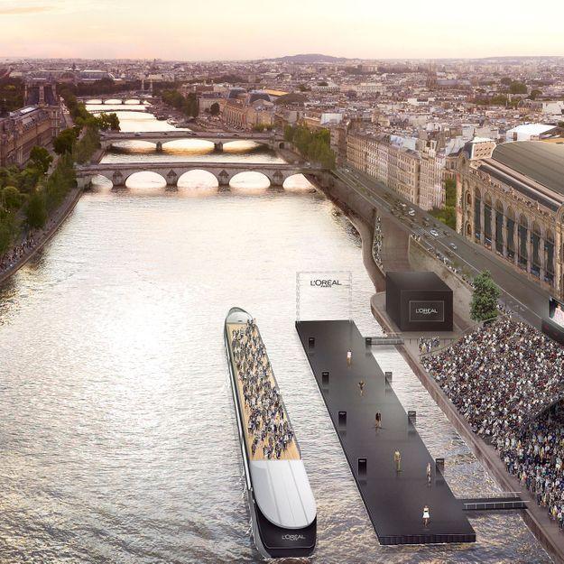 Breaking News : L'Oréal Paris, fait défiler ses mannequins sur la Seine pour célébrer la mode et la beauté