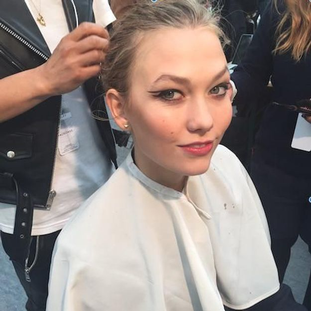 Scoop beauté : le secret du teint frais de Karlie Kloss au défilé Mugler