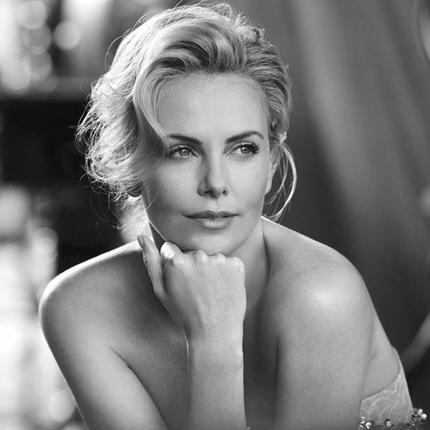 L'interview bonne humeur de Charlize Theron pour J'adore de Dior