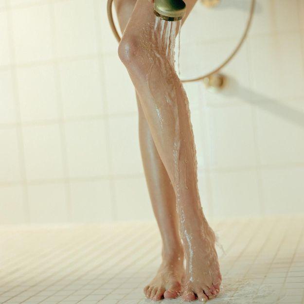 Les 9 erreurs que l'on fait toutes sous la douche