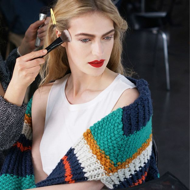 Exclu : la folle journée d'un mannequin en backstage de Fashion Week