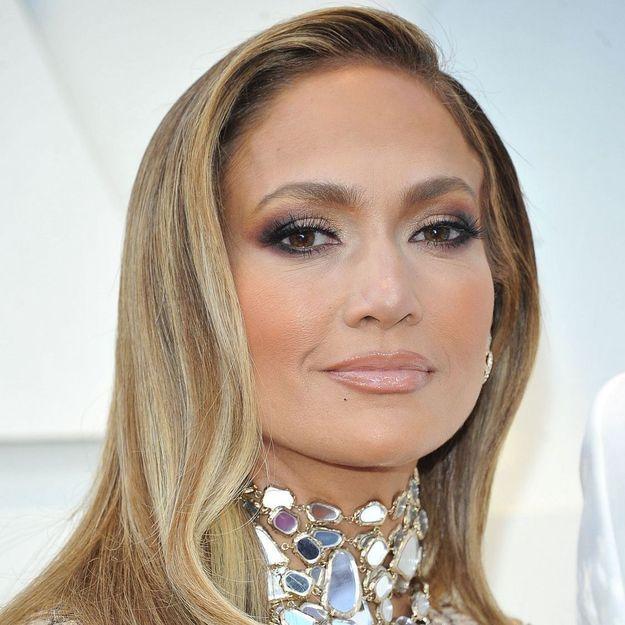 Jennifer Lopez : on connaît le vernis à ongles qu'elle portait le jour de ses fiançailles
