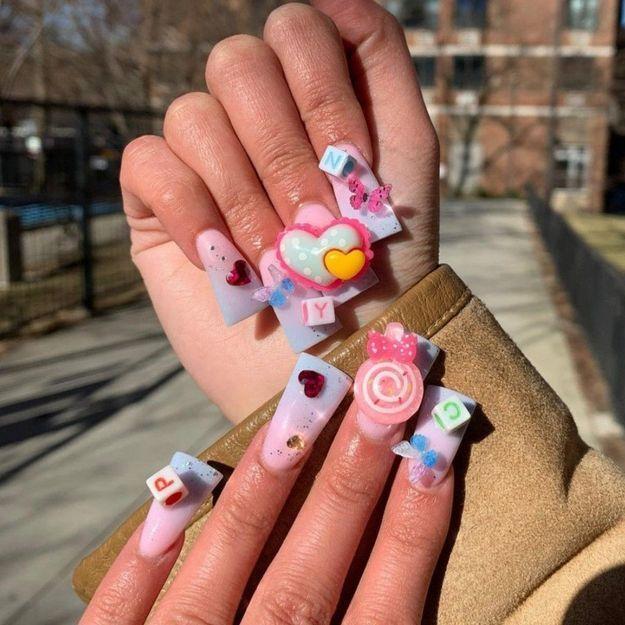 Les duck nails ou la nouvelle tendance nail art qui fait (malheureusement) le buzz
