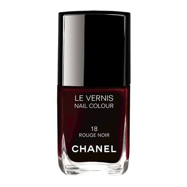 5 choses à savoir sur le vernis Rouge Noir de Chanel