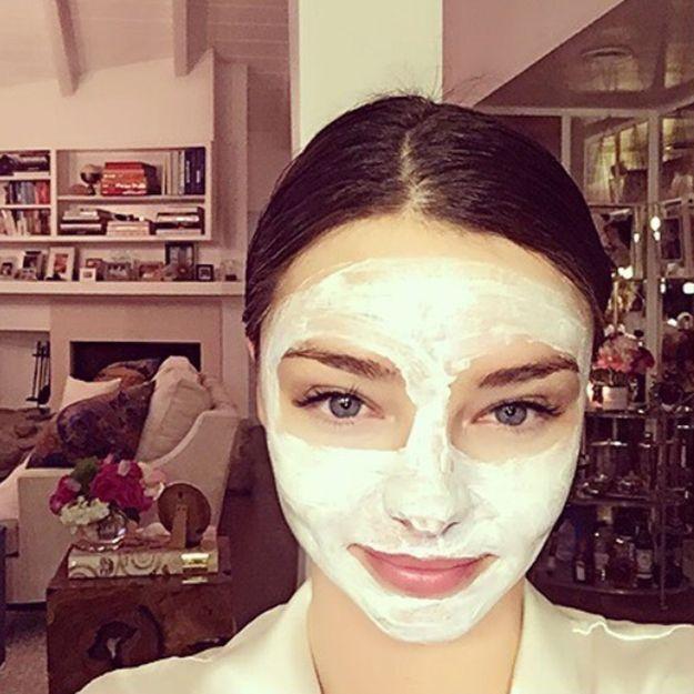 Comment appliquer un masque visage   nos conseils pour bien ... 6336412198b