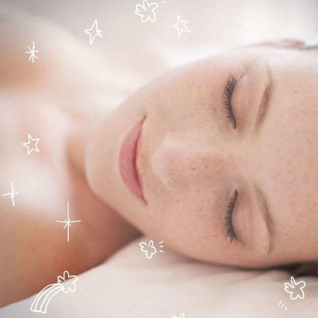 10 façons de s'embellir en dormant