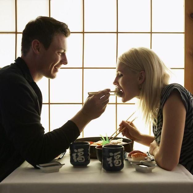 Un couple heureux serait un couple qui mange plus (et c'est la science qui le dit)