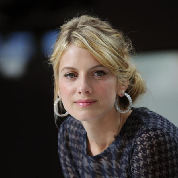Angelina jolie melanie laurent by the sea - 3 part 1
