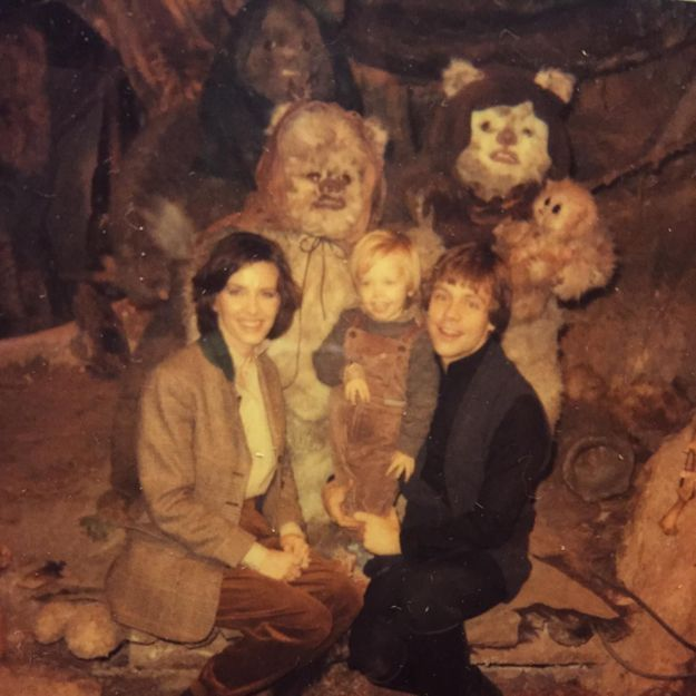 « Star Wars » : Mark Hamill partage des photos du tournage de l'épisode VI
