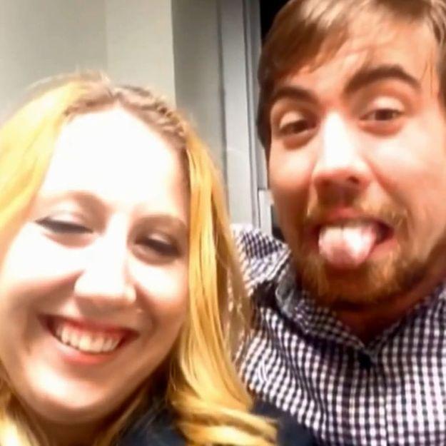 Prêt-à-liker : elle piège son frère durant un an en faisant de faux selfies