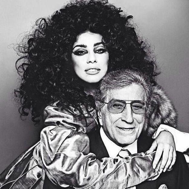 Lady Gaga accuse sa maison de disques d'avoir voulu modifier sa voix