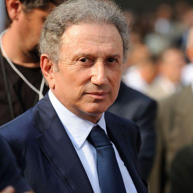 Michel Drucker recadré par France 2 après ses propos violents contre Laurent Delahousse