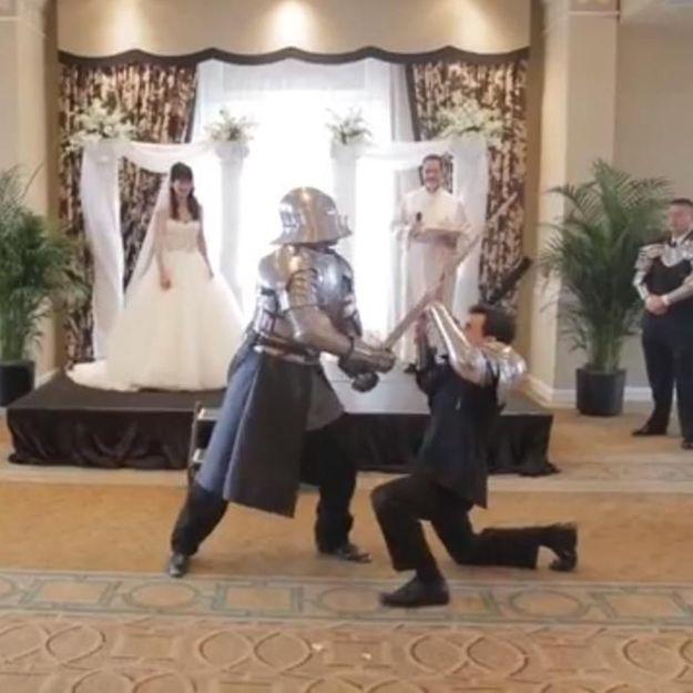 Vidéo : les mariés, le prêtre et le super-héros