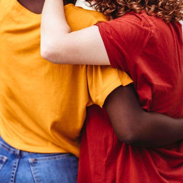 Jalousie en amitié: comment l'apaiser pour une relation heureuse?