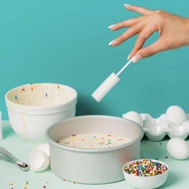 Qu'est-ce que le « dripstick », cette éponge à sperme post-sexe popularisée par TikTok ?