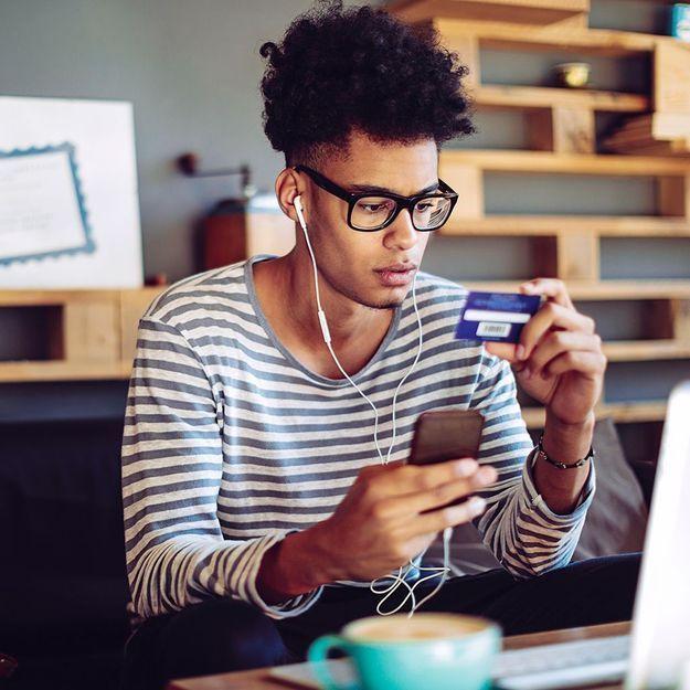 Que faire si mon ado veut une carte bancaire ?