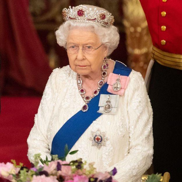 Elizabeth II : le choix de sa couronne était un message adressé à Donald Trump