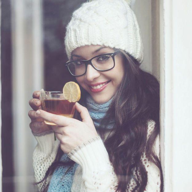 Elle boit du jus de citron au miel tous les matins, les effets sont incroyables