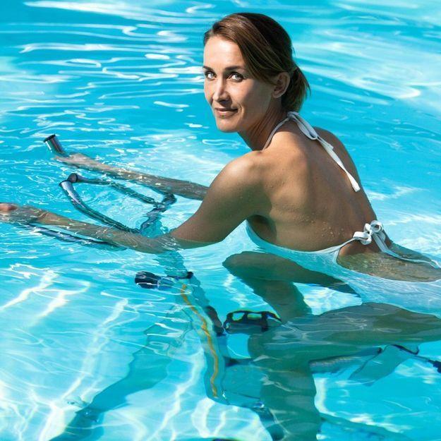 Aquabike, les bienfaits du vélo en piscine