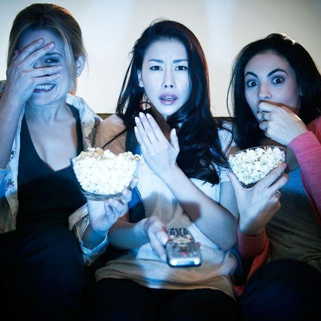 Incroyable : regarder des films tristes ferait grossir !