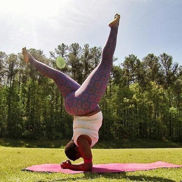 Yoga : Jessamyn Stanley dénonce les discriminations