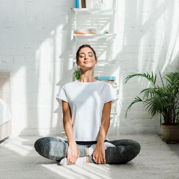 4 positions de yoga pour réduire et gérer son stress