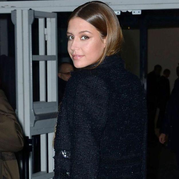 Adèle Exarchopoulos, très glamour au défilé Giambattista Valli