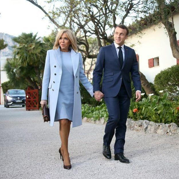 Brigitte Macron adopte une tenue qui rappelle l'un de ses looks mythiques