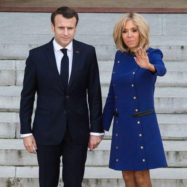 Brigitte Macron surprend avec sa tenue engagée