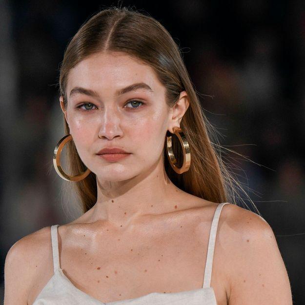 Gigi Hadid : on copie sa façon de porter le lin à la mi-saison