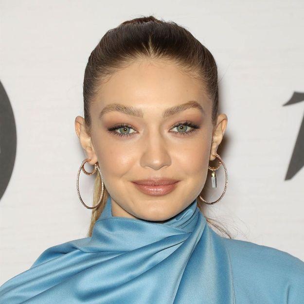 Gigi Hadid : cette façon dont elle porte son blazer est totalement inattendue