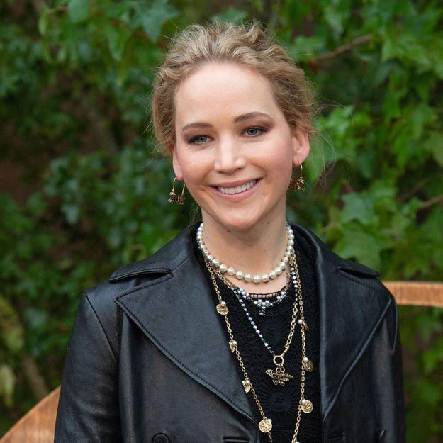 Jennifer Lawrence : au sommet de la tendance avec sa robe de printemps