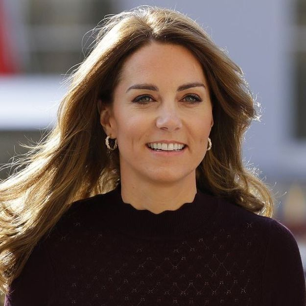 Kate Middleton : radieuse en tenue de mi-saison