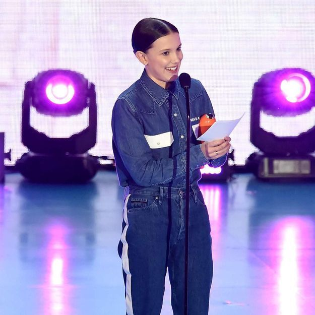 Quel message se cache derrière le look de Millie Bobby Brown aux Nickelodeon Kid's Choice Awards ?