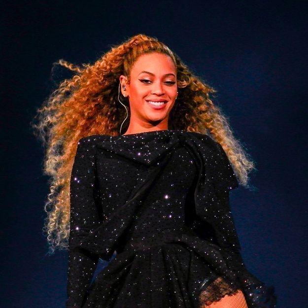 Beyoncé : elle adopte la tendance bijoux de l'automne