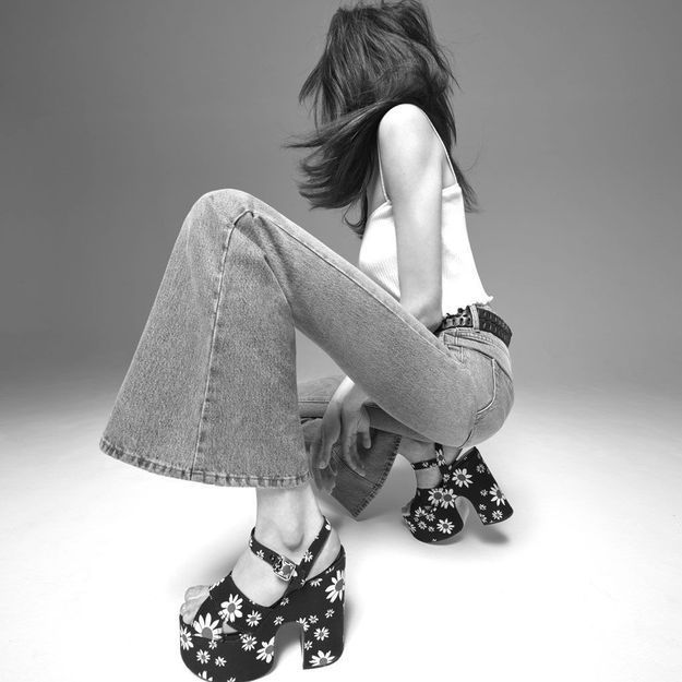 #ElleFashionCrush : Miu Miu lance six nouveaux jeans avec sa capsule Miu Miu Denim Icons