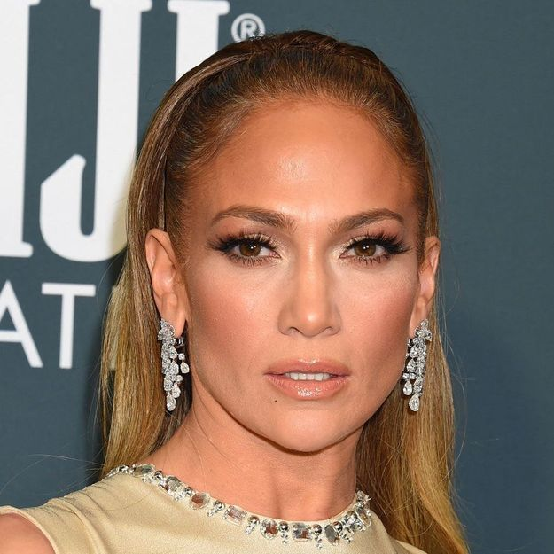 Jennifer Lopez, star de la campagne Versace printemps 2020