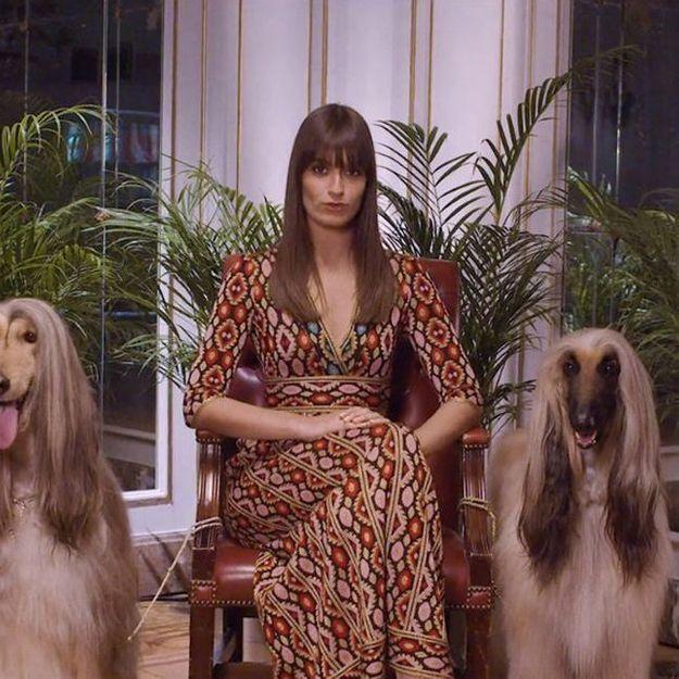 On sait quelle marque se cache derrière les looks de Clara Luciani dans son clip « Nue »