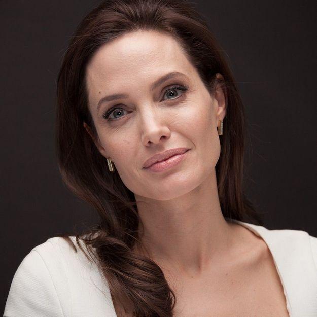 Atteinte de la varicelle, Angelina Jolie interrompt la promotion de son film
