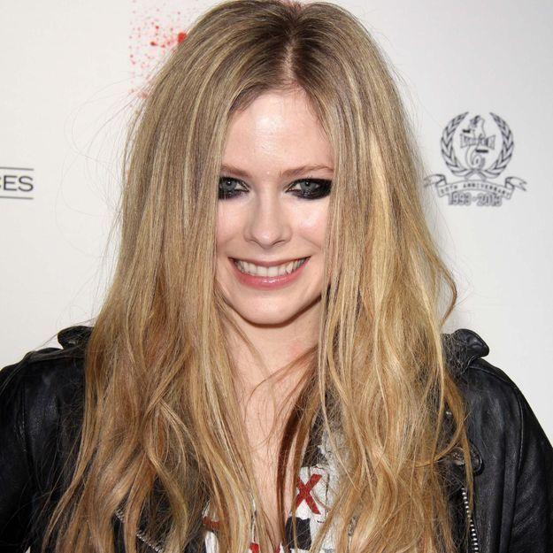Avril Lavigne accusée de racisme se défend